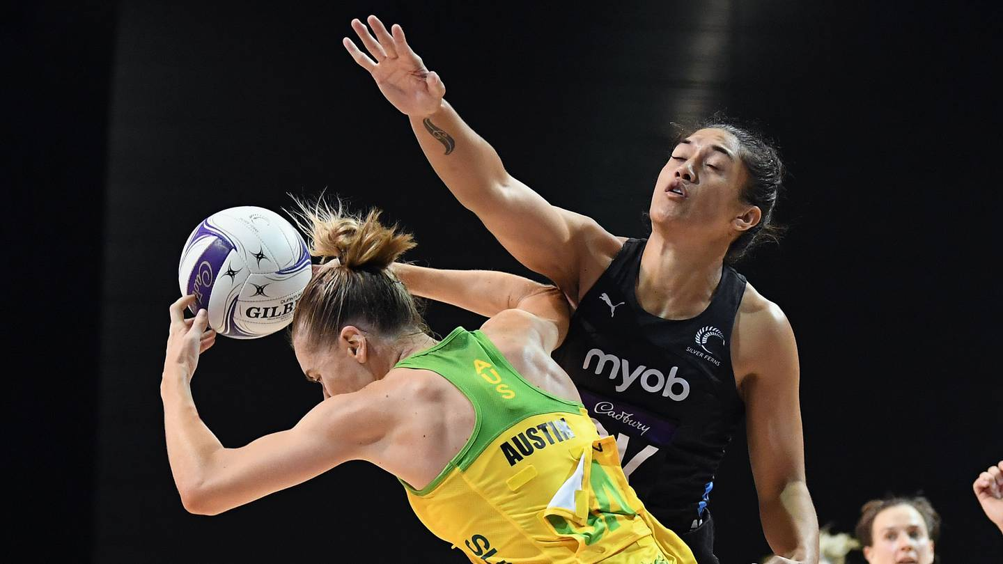 CHRISTCHURCH, NEW ZEALAND - MARCH 02: Kiera Austin of Australia is challenged by Sulu Fitzpatrick of New Zealand during the Constellation Cup International Test match between the New Zealand Silver Ferns and the Australia Diamonds at Christchurch Arena on March 02, 2021 in Christchurch, New Zealand. (Photo by Kai Schwoerer/Getty Images)