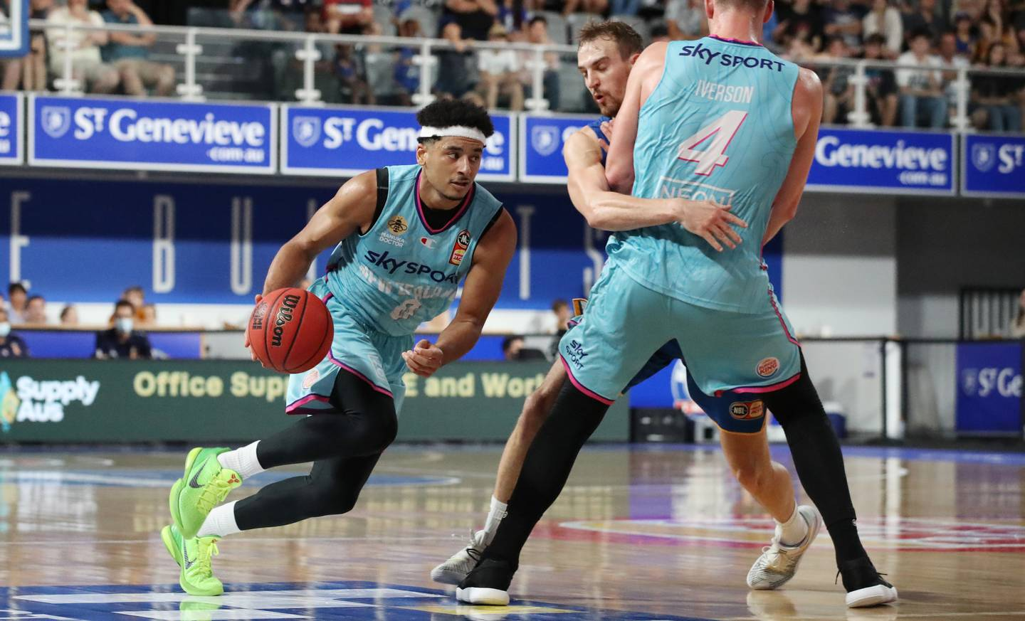 BRISBANE, AUSTRALIA - MARCH 27: Tai Webster of the Breakers with the ball during the round 11 NBL match between the Brisbane Bullets and the New Zealand Breakers at Nissan Arena on March 27, 2021 in Brisbane, Australia. (Photo by Glenn Hunt/Getty Images)